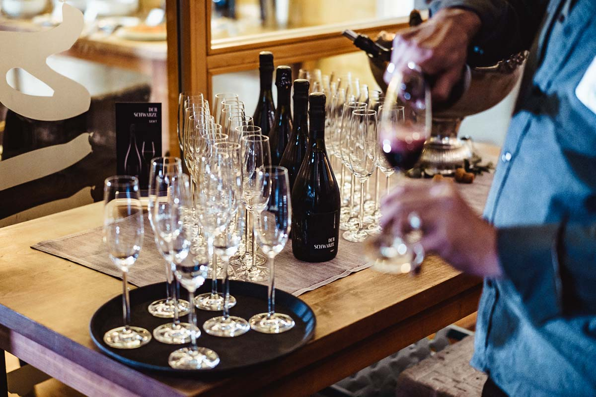 Welcome Drinks von Der Schwarze Sekt beim Green Wedding Event